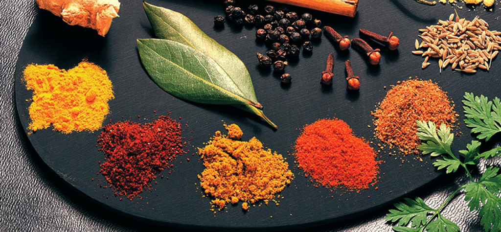 Weight-Loss-With-Herbs-Spices-1728x800_c